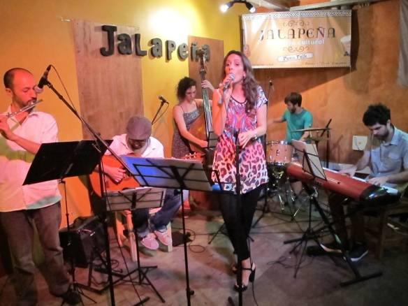 tocando en Jalapeña TODOS Santi